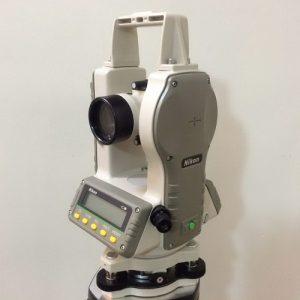 دوربین تئودولیت نیکون مدل NE203